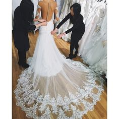 Exquisite! pic via @moonlightbridal #bridalinspiration #whitewedding #weddingdress #tips #instabride