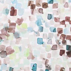 Veludo de fundo bege com padrão aguarela, com leves pinceladas em tons de azul turquesa. Ideal para decorações com contraste e coordenados. Apropriado a estofo, almofadas e cabeceiras de cama.