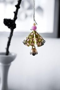 sweet~ use oragami paper this looks japanese  the bell is the give away~~~