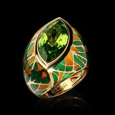 Mousson Atelier ring Four Seasons Yellow gold 750, Peridot 8.7 ct., Enamel