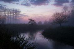 Mystery river - The Dijle river near Oud-Heverlee, flowing through a mystified landscape. Sunset Photos, Nature Photos, Beautiful Sunset, Beautiful Places, Beautiful Scenery, Cool Pictures, Cool Photos, Beautiful Pictures, Mystery