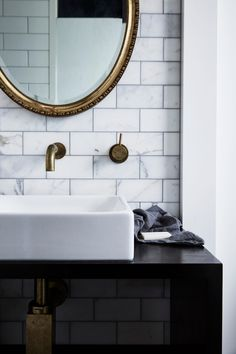 my scandinavian home: How About Lolling About At The Chalet Byron Bay?my scandinavian home Carrara Marble Bathroom, Black Marble Bathroom, Byron Beach, Timeless Bathroom, Tadelakt, Scandinavian Home, Bathroom Fixtures, Bathroom Sinks, Bathroom Interior Design