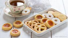 Gli ovis mollis sono dei biscotti buonissimi realizzati con un ingrediente insolito! Utilizzatene la pasta frolla anche per altre preparazioni golose.
