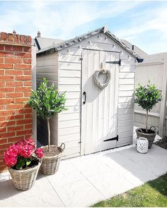Small Courtyard Gardens, Back Gardens, Outdoor Gardens, Grey Gardens, Garden Cottage, Home And Garden, Shabby Chic Garden, This Old House, Summer House Interiors