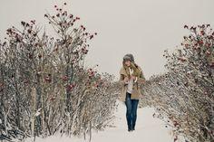 TRUCS POUR FAIRE UNE SÉANCE PHOTO L'HIVER  Faire une séance photo l'hiver | Dyade photo Couple Photos, Mars, Winter, Photography, Stuff Stuff, Couple Shots, Winter Time, Couple Pics, March