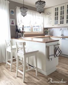 New Kitchen Decor Country Chic Light Fixtures Ideas Home Decor Kitchen, Kitchen Interior, New Kitchen, Home Kitchens, Interior Livingroom, Modern Kitchen Design, Kitchen Flooring, Kitchen Remodel, Sweet Home