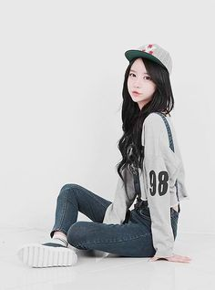 simple outfit ideas . casual outfits for teens . snap back