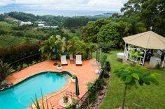 Schau Dir dieses großartige Inserat bei Airbnb an: ALKIRA-Where Ocean & Mountains meet - Bed & Breakfast zur Miete in Korora, Coffs Harbour