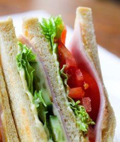 예쁜 도시락 메뉴 달팽이 김밥 만드는 방법 Healthy Sandwiches, Bread Bowls, Indian Snacks, Egg Rolls, Korean Food, Lunch Recipes, How To Stay Healthy, Side Dishes, Picnic