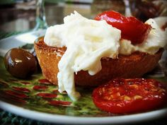 Bruschetta with Burrata, sundried tomatoes and olives #burrata  #cheese #italy #food #italianfood #tomatoes #olives #recipe #bruschetta #foodie #yummy #bread #eat #hungry #products #gourmet #italiancheese #mozzarella #creamy