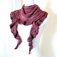 Truffle is a top-down shallow crescent shawl knitted entirely in cosy garter stitch. The ruffled edge lends a romantic charm to the shawl, yet it's casual enough to wear over a simple t-shirt and jeans.
