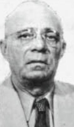 Joseph Purpura allegedly was a member of the Patriarca crime family. Real Gangster, Mafia Gangster, Mafia Crime, Al Capone, Gangsters, Allegedly, New England, Joseph, Boston