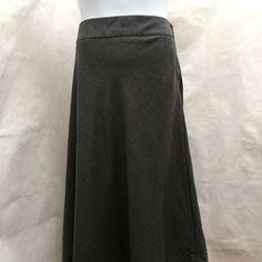 c6731faad7d NY COLLECTION Plus Size Black Midi A-Line Stretch Knit Skirt w  Pockets