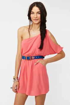 love the one shoulder
