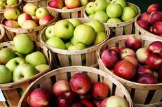 Take a look at some health benefits of apples and include it in your daily diet to keep healthy Get whiter, healthier teeth An apple won't replace your toothbrush, but biting and chewing an apple … Best Apples For Baking, High Cholesterol Diet, Types Of Cancers, Apple Crisp, Superfoods, Metabolism, Health Benefits, Apple Benefits, Healthy Lifestyle