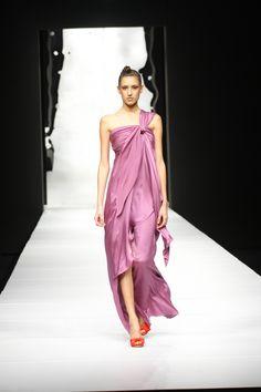 9.Silvia Tcherassi Spring Summer 2010  Roman Toga inspired