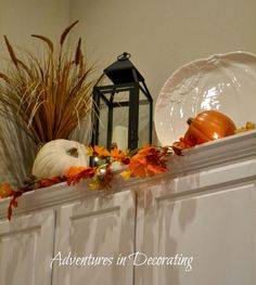 Greetings, friends!   Okay, so if I don't do any other decorating for Fall in our kitchen, the one thing that I'll always incorporate is ou...
