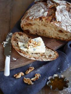 Eltefritt brød er en evig slager her i huset, og det som blant annet er bra med det er at det er lett å variere. Denne gangen har jeg laget...