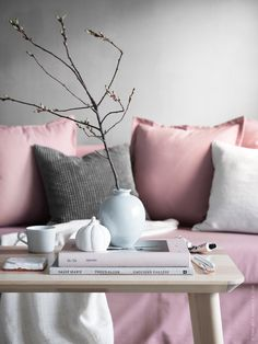 LISABO | IKEA Livet Hemma – inspirerande inredning för hemmet Living Room Inspiration, Interior Inspiration, Ikea Couch, Scandinavian Furniture, Scandinavian Style, Dream Decor, Living Room Interior, Colorful Decor, Decor Interior Design