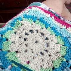 Tecendoooo... Mais uma encomendaaaa.. Pedidos direct ou wats  94766 1270 #crjcrochet  #art #artesanato # #artesanarobrasil  #artesã #ganchillo #vintage #crochet #croche #inspiration #decor #decoration #instacrochet  #kinit #feitoamao #crochetlovers  #amocrochet by crjcrochet