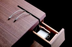 Cartesia Desk - Each drawer can open in 2 directions