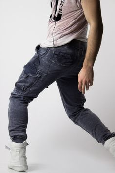 There's a new menswear online store on the scene which is purely dedicated to men who love to shop in a stylish and fashionable way. Differio New York launched Stylish Jeans, Stylish Mens Fashion, Jogger Pants, Joggers, Mens Activewear, Love To Shop, Active Wear, Menswear, Indigo Blue