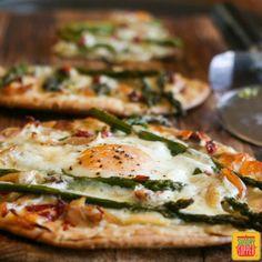 Asparagus and Chicken Flatbread Pizza #SundaySupper