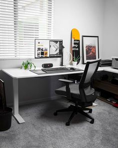 Home Office Setup, Home Office Space, Workspace Inspiration, Interior Inspiration, Gaming Room Setup, Desk Setup, Office Space Design, Living Room Photos, Ergonomic Chair