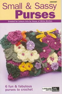 Maggie's Crochet · Small and Sassy Purses MehrFor those times when you only need to take along the bare necessities, these 6 little crocheted purses will add just the right touch of style. Several are tiny enough to be worn around the neck, while others Freeform Crochet, Crochet Yarn, Crochet Flowers, Crochet Stitches, Free Crochet, Crochet Clutch, Crochet Purses, Crochet Books, Crochet Patterns For Beginners