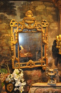 Antique guilded mirror