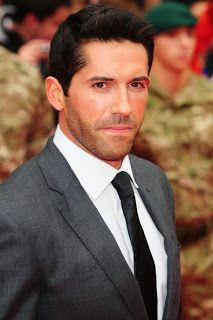 Am I the only one who thinks Scott Adkins is PERFECT for the Batman/Bruce Wayne role? He's got the acting he's got the fighting skills he even looks like Bruce from the comics. Reply with your thoughts! Warner Bros Movies, Scott Adkins, Martial Artists, Batman Vs Superman, San Diego Comic Con, British Actors, Tom Hardy, Best Actor, Role Models