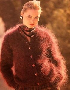 Fox Sweater, Fluffy Sweater, Angora Sweater, Knitwear Fashion, Knit Fashion, Vintage Sweaters, Wool Sweaters, Gros Pull Mohair, Brown Cardigan