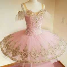 Ballet Tutu, Ballerina, Ballet Pictures, Ballet Beautiful, Ballet Costumes, Formal Dresses, Wedding Dresses, Red And Pink, Flower Girl Dresses