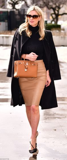 Nicky Hilton was turning heads as she walked through NYC on Thursday in a tight tan leather skirt and a pair of sky-high black heels. Tan Leather Skirt, Tan Skirt, Pencil Skirt Outfits, High Waisted Pencil Skirt, Pencil Skirts, Pencil Dresses, Nicky Hilton, Boss Babe, Classy Outfits