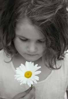 Las flores de Bach que ayudan a los niños a concentrarse y a incentivar su desarrollo. www.farmaciafrancesa.com