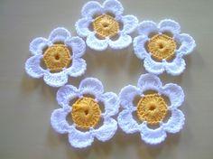 cute crocheted daisies