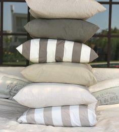 Torre de almohadones!! Así quedaron  Medidas 60x 60 cm  Gracias @paoattie por ayudarme con las fotos!! Hay muchas súper lindas  que las voy a ir publicando  Buen Jueves  . #almohadones#almohadonesmhl#pillow#pillows#tusor#mimihomelove