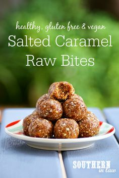 Looking for a healthy sweet treat? These Salted Caramel Raw Bites tastes just like candy but are raw, gluten free, vegan, refined sugar free and totally healthy! They are also freezer friendly and perfect for lunchboxes or on the go snacks! Healthy Vegan Dessert, Raw Vegan Desserts, Healthy Sweet Treats, Healthy Sugar, Raw Vegan Recipes, Vegan Sweets, Healthy Sweets, Healthy Baking, Healthy Snacks