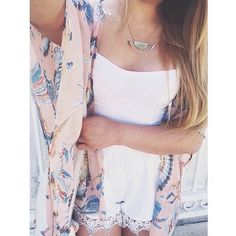 Loving kimonos right now! Have to get my hands on one.