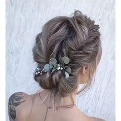 in wedding hair hair styles for curly hair hair style for medium hair wedding hair updos hair styles for long hair down wedding hair wedding hair hair jewelry Braided Hairstyles, Wedding Hairstyles, Pretty Hairstyles, Hair Upstyles, Elegant Wedding Hair, Hair Wedding, Hair Videos, Hairstyles Videos, Bridesmaid Hair