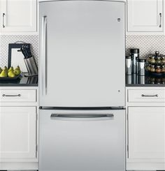 Black, white, or stainless steel. GE refrigerators provide a whole range of colors to inspire your kitchen design.