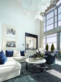 Molins Interiors // arquitectura interior - interiorismo - decoración - ático - salón - cocina - sofá - alfombra - mesa de centro - doble altura