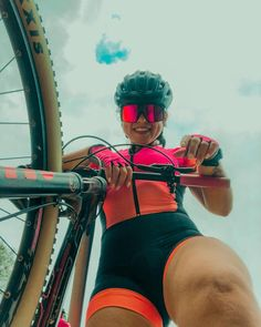 Cycling Girls, Speed Bike, Bicycle Women, Stay In Shape, Bike Life, Sport Girl, Triathlon, Biking, Mtb