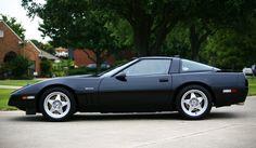 1995 Corvette - 400 + hp factory made Lotus designed 4 cam 32 mechanical valve engine. Corvette Zr1, Chevrolet Corvette C4, Chevy, My Dream Car, Dream Cars, Lotus, Classic Corvette, Gt Cars, Super Sport Cars
