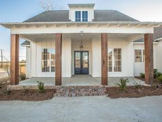 Ideas For Farmhouse Cottage Plans Exterior Colors Cottage Exterior, Modern Farmhouse Exterior, Farmhouse Design, Simple House Exterior, Colonial Exterior, Bungalow Exterior, Exterior Shutters, Exterior Stairs, Bungalow Homes