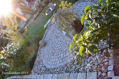 Furulunden: Elvestein er brukelig på flere måter i hagen | Furulunden