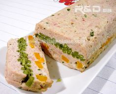Rabbit and vegetable terrine. A dish for all year round to astonish your guests. Calories and paired wine included