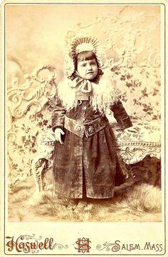 Pretty Victorians 1850-1860