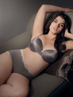 Beautiful Plus Size Women | Beautiful plus size lingerie is real |Curvy | fashiongloss.com