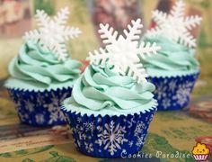 Christmas Cupcakes - by cookiesparadise @ CakesDecor.com - cake decorating website